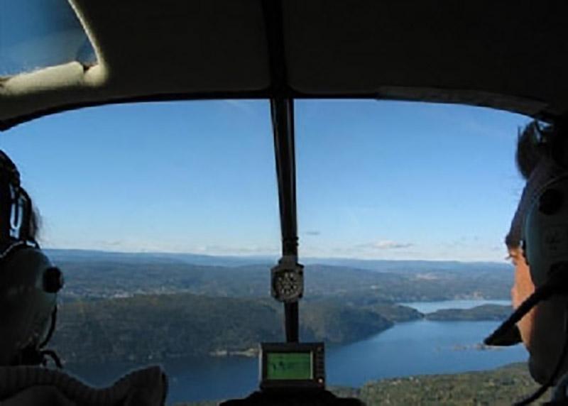 Helikopter over Håøya og Drøbaksundet