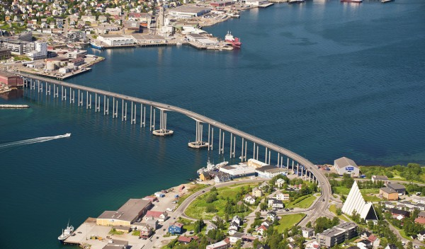 Helikopterleie Tromsø. Sightseeingturer og Taxi