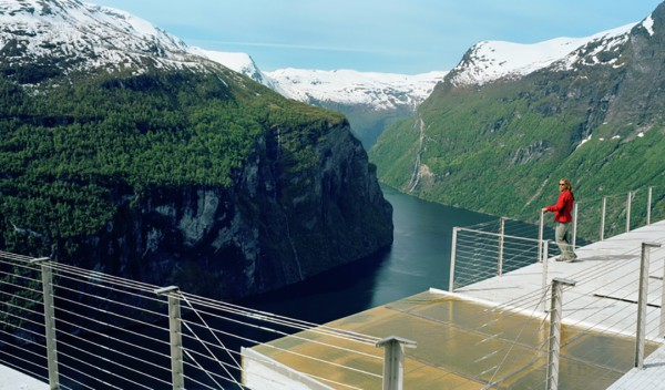 Helicopter Tours and sightseeing Eagles Bend Geiranger.