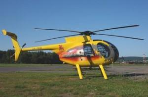Hughes 500 helikopter MD369 for lasteflyging og monteringsjobber