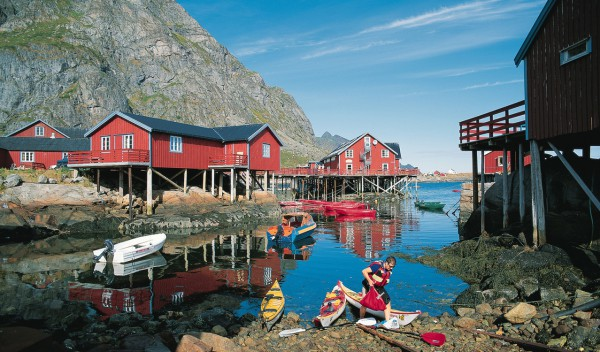 Helicopter Sightseeing and Tours Lofoten Norway Rorbuer