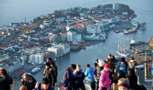 Helikopterleie og turer over Bergen