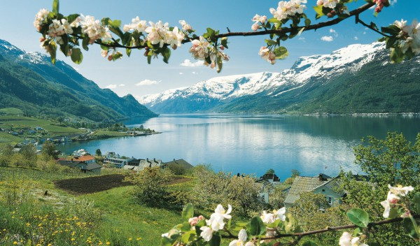 Helicopter Tours and Sightseeing Norway Fjords Lofthus